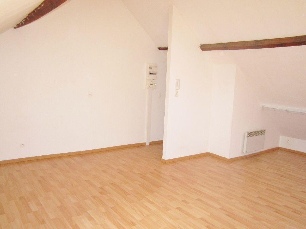 Appartement à louer 1 32m2 à Armentières vignette-4