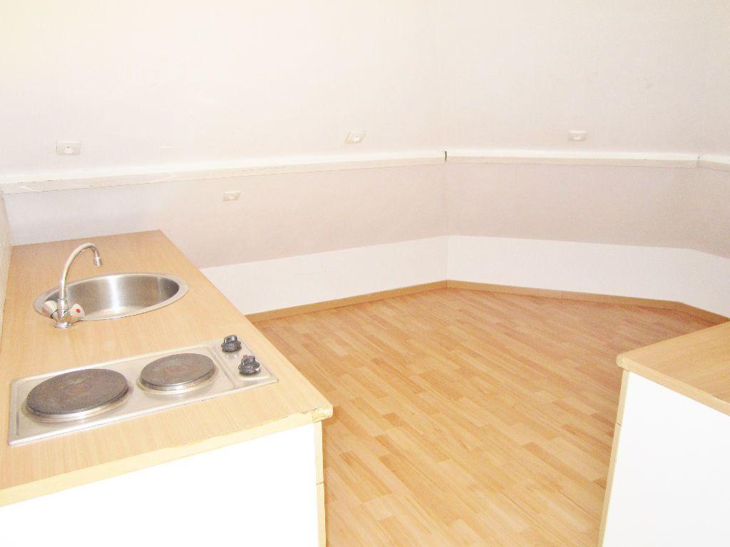 Appartement à louer 1 32m2 à Armentières vignette-6