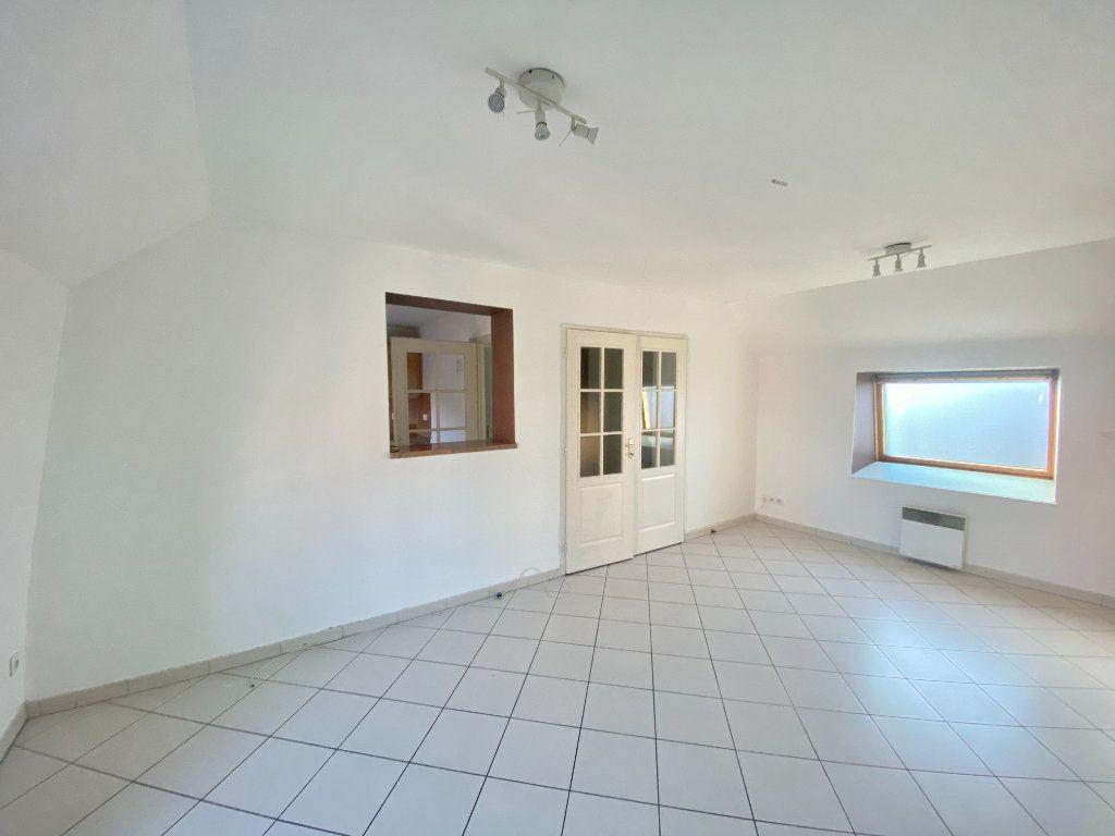 Appartement à louer 3 65m2 à Armentières vignette-1