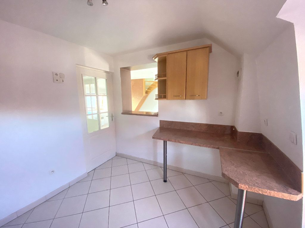 Appartement à louer 3 65m2 à Armentières vignette-4