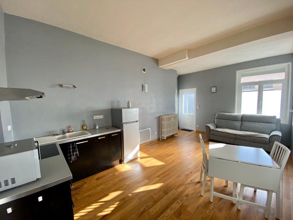Appartement à louer 1 31m2 à Armentières vignette-1