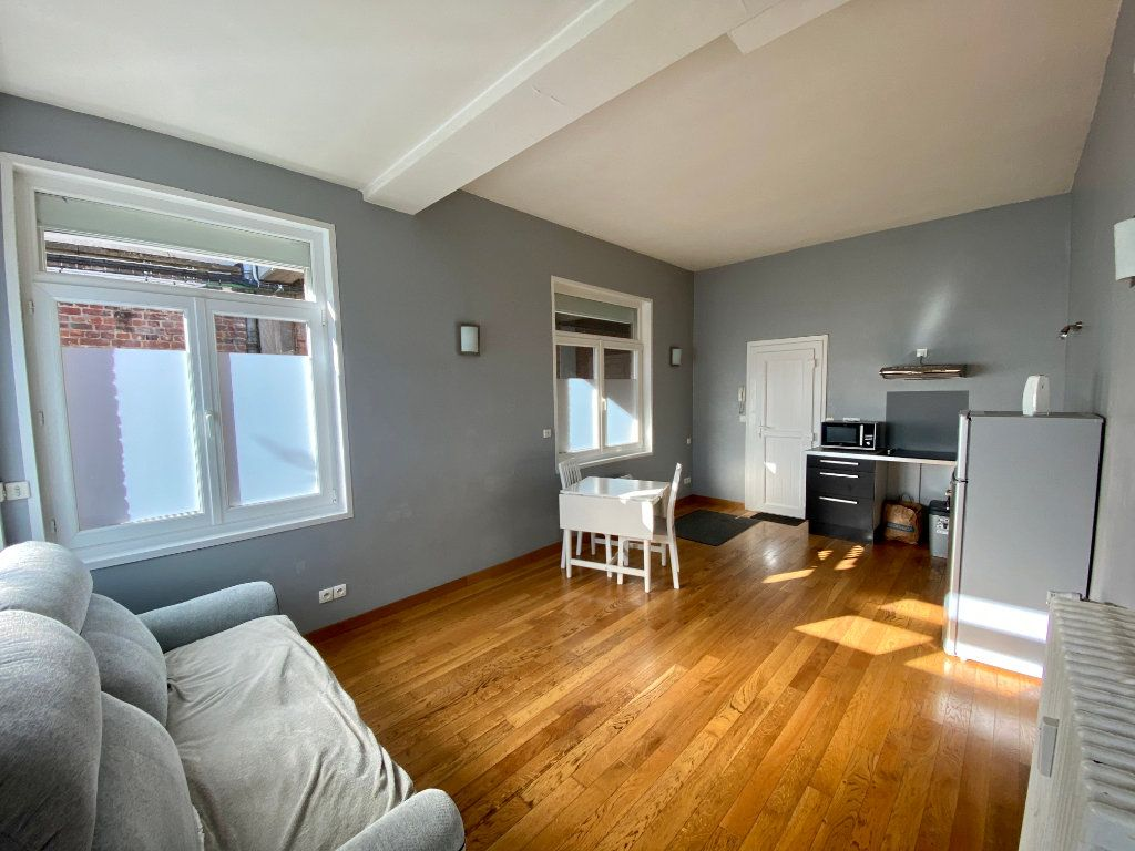 Appartement à louer 1 31m2 à Armentières vignette-2