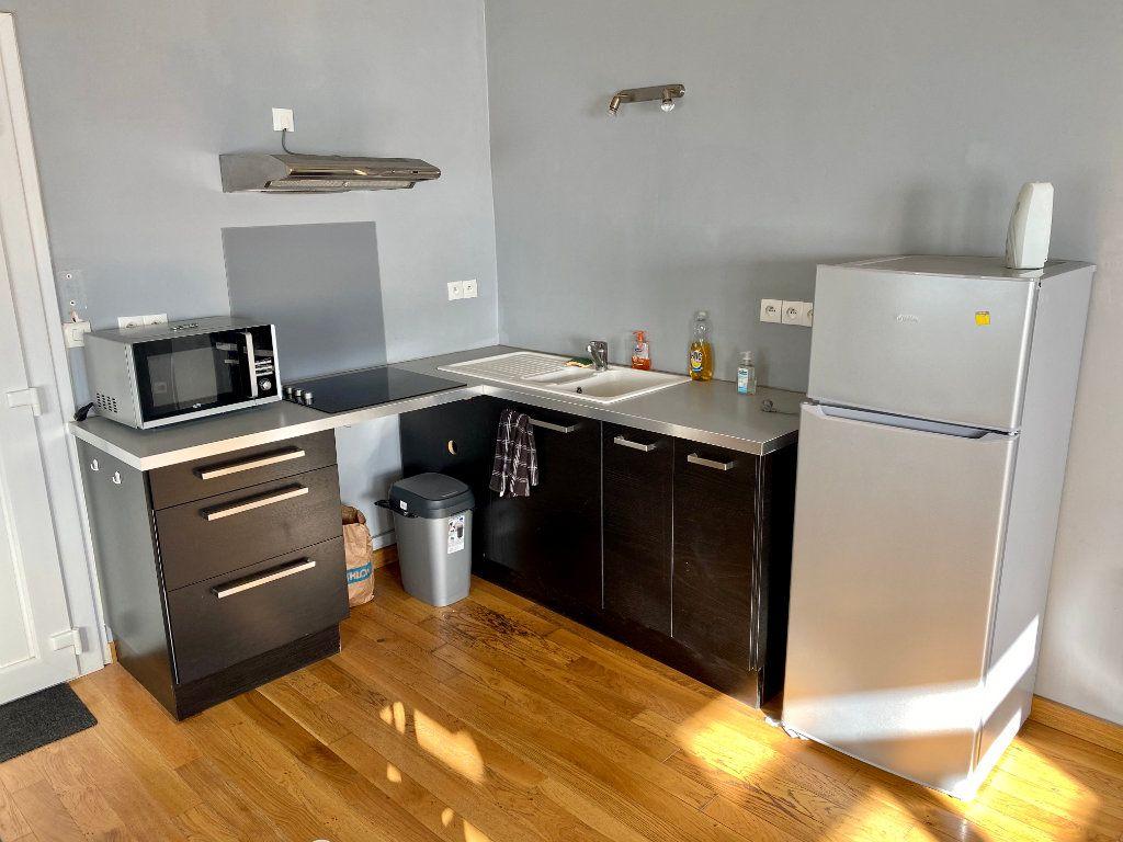 Appartement à louer 1 31m2 à Armentières vignette-3