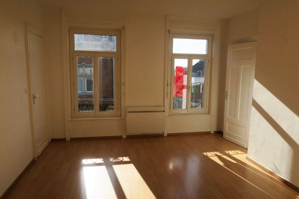 Appartement à louer 3 80m2 à Armentières vignette-2