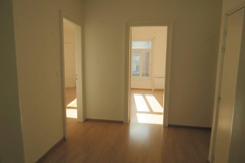 Appartement à louer 3 80m2 à Armentières vignette-3