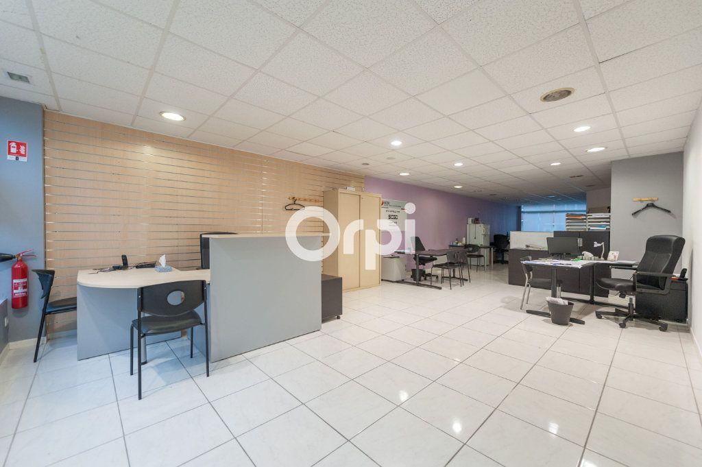 Immeuble à vendre 0 235m2 à Armentières vignette-10