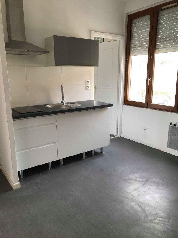 Appartement à louer 2 30m2 à Hazebrouck vignette-3