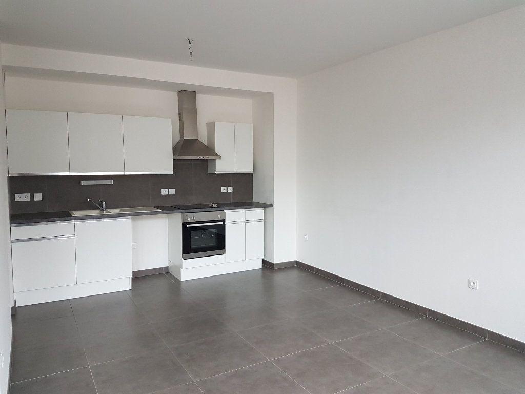 Appartement à louer 2 53m2 à Hazebrouck vignette-1
