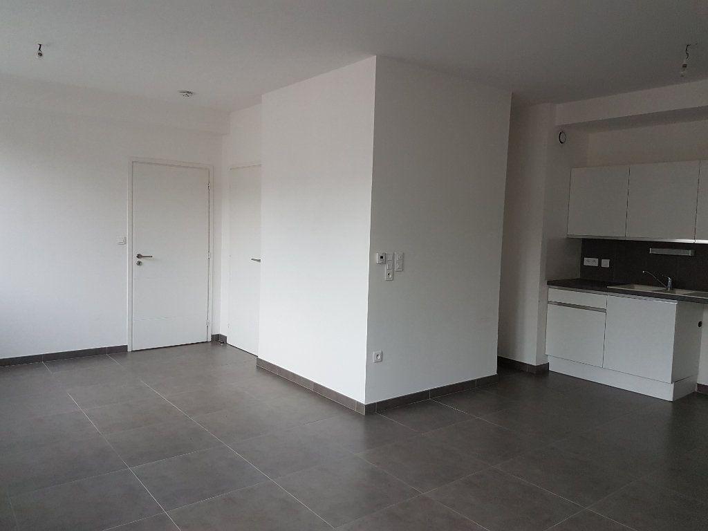 Appartement à louer 2 53m2 à Hazebrouck vignette-5