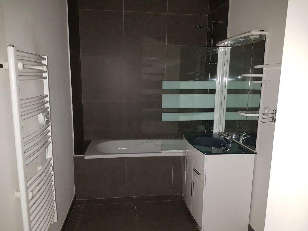 Appartement à louer 2 53m2 à Hazebrouck vignette-6