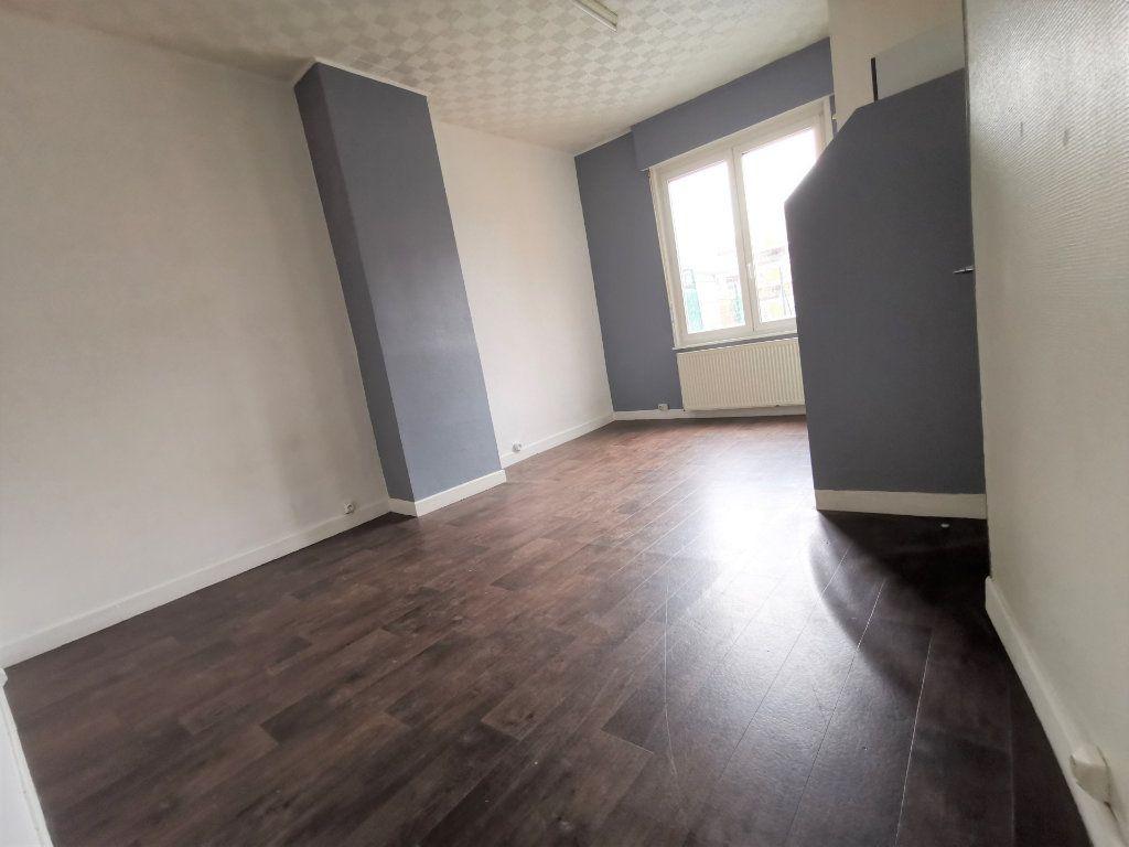 Immeuble à vendre 0 250m2 à Armentières vignette-2