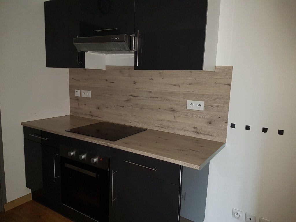 Appartement à louer 4 80m2 à Aire-sur-la-Lys vignette-6