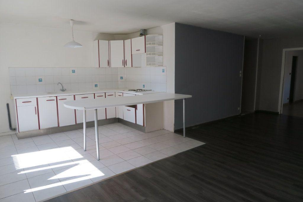 Appartement à louer 2 64m2 à Armentières vignette-2