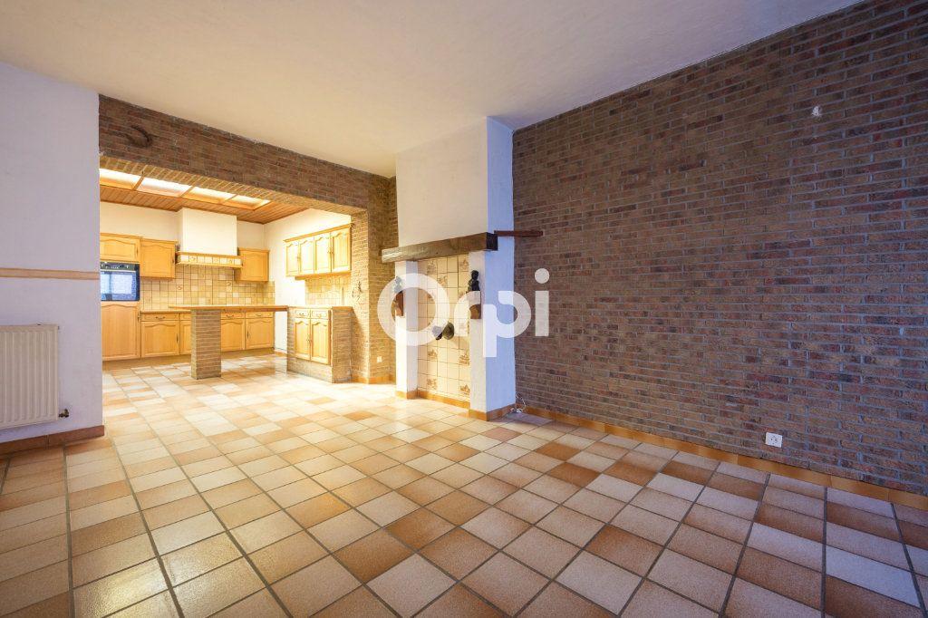Maison à vendre 4 125m2 à Wattrelos vignette-1