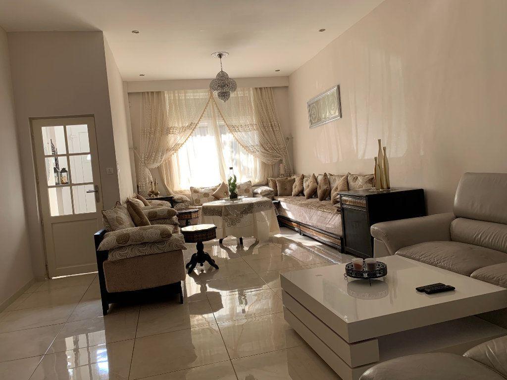 Maison à vendre 5 146m2 à Armentières vignette-2