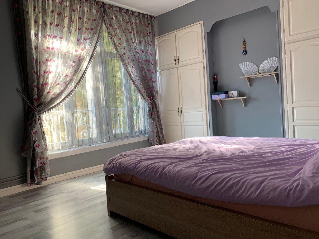 Maison à vendre 5 146m2 à Armentières vignette-4
