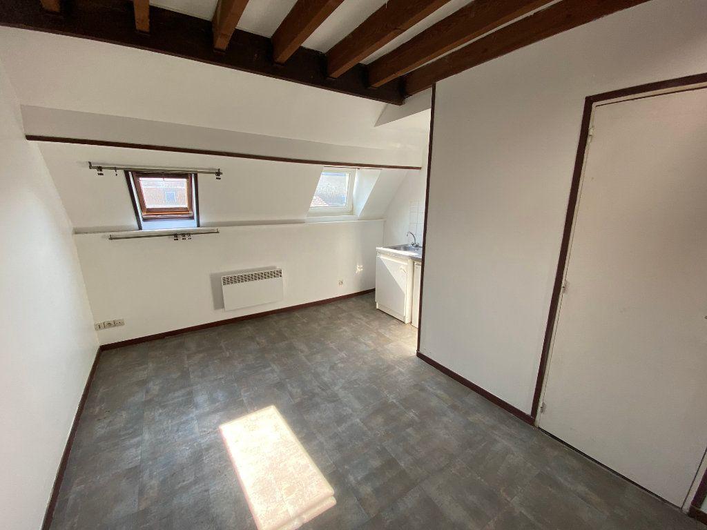 Appartement à louer 1 28m2 à Armentières vignette-1