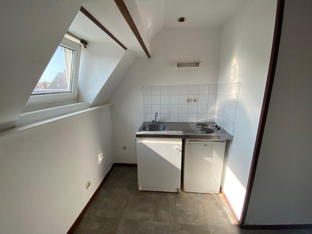 Appartement à louer 1 28m2 à Armentières vignette-2
