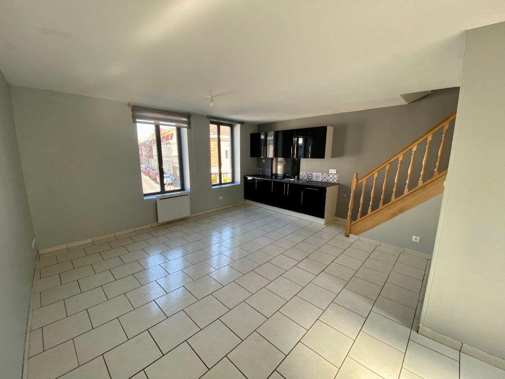 Appartement à louer 2 57m2 à Armentières vignette-1