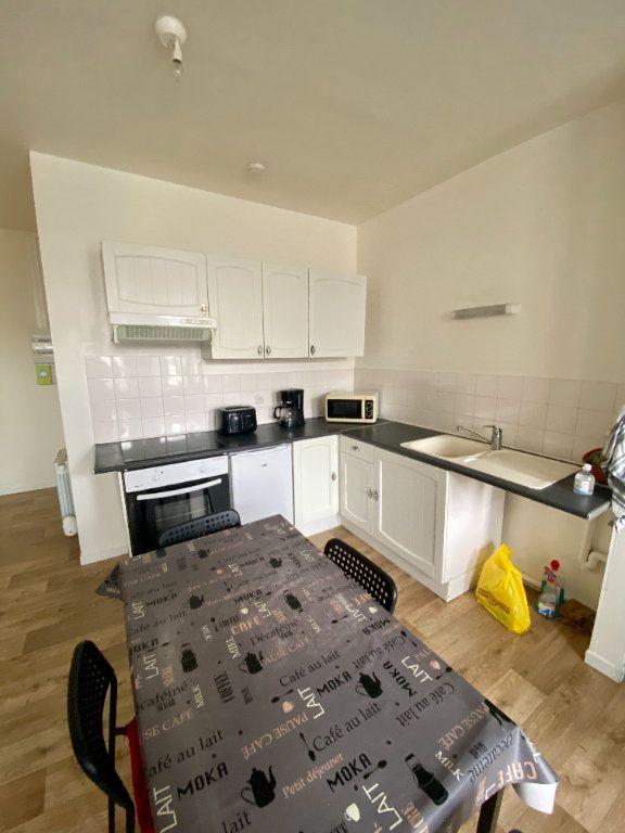 Appartement à louer 1 30m2 à Armentières vignette-1
