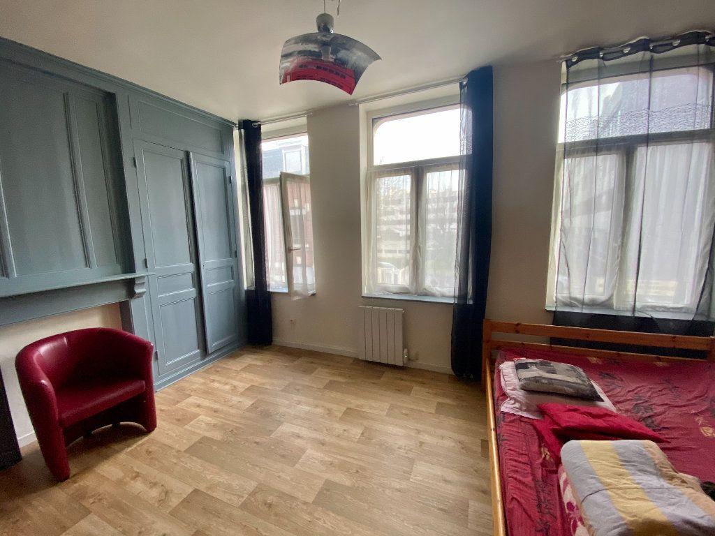 Appartement à louer 1 30m2 à Armentières vignette-2
