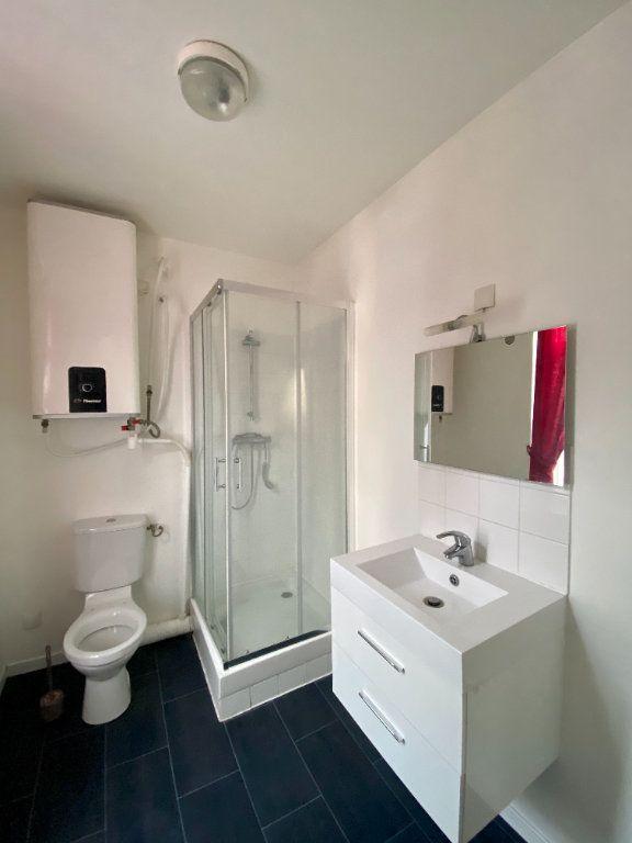 Appartement à louer 1 30m2 à Armentières vignette-3