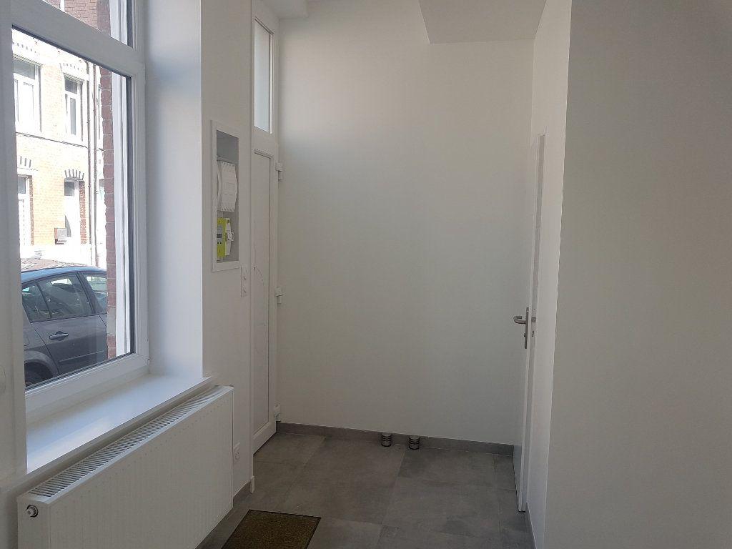 Maison à louer 4 115m2 à Hazebrouck vignette-10