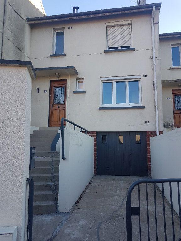 Maison à louer 4 70m2 à Hazebrouck vignette-1