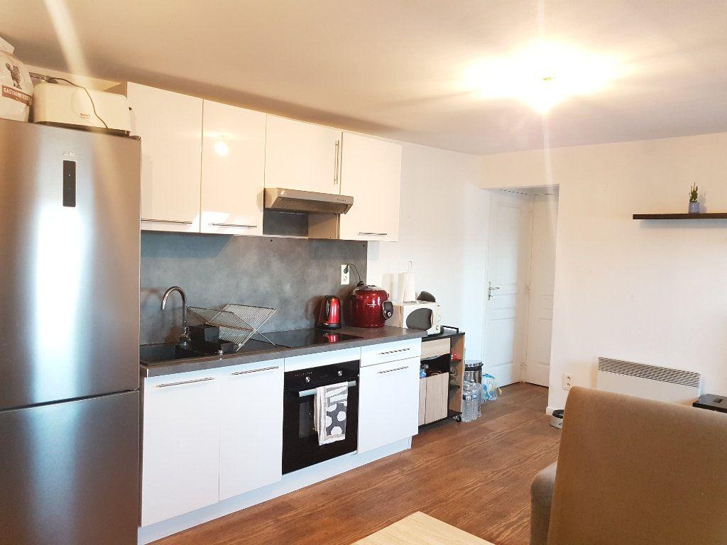 Appartement à louer 2 29m2 à Hazebrouck vignette-6