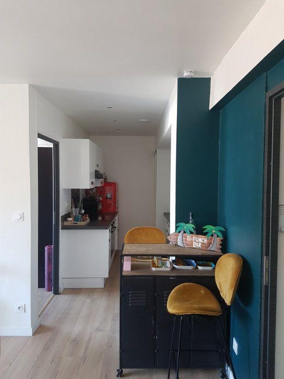 Appartement à louer 4 67m2 à Hazebrouck vignette-8