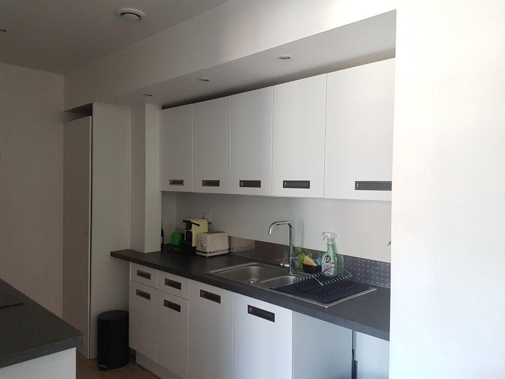 Appartement à louer 4 67m2 à Hazebrouck vignette-9