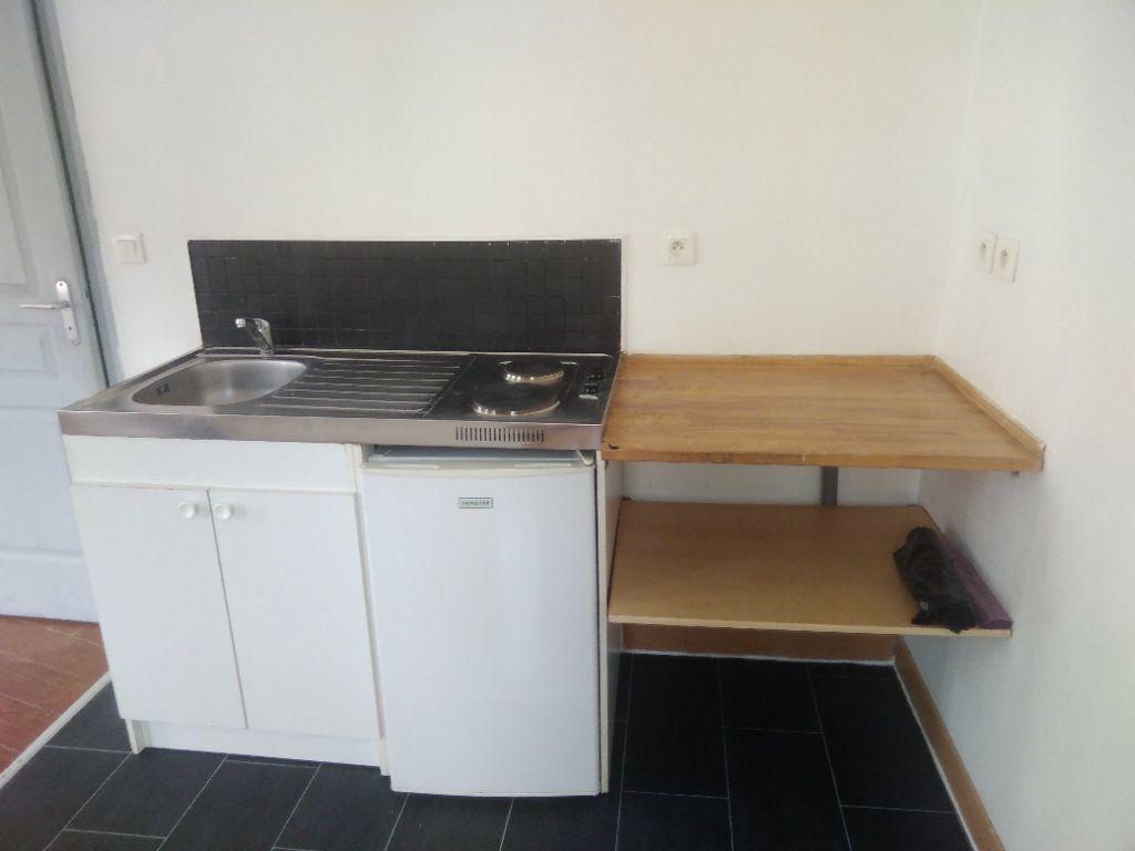 Appartement à louer 1 31m2 à Wattrelos vignette-2