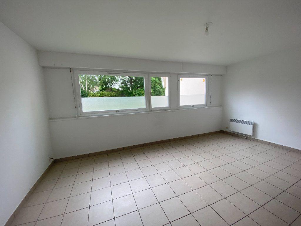 Appartement à louer 3 64m2 à Lille vignette-1