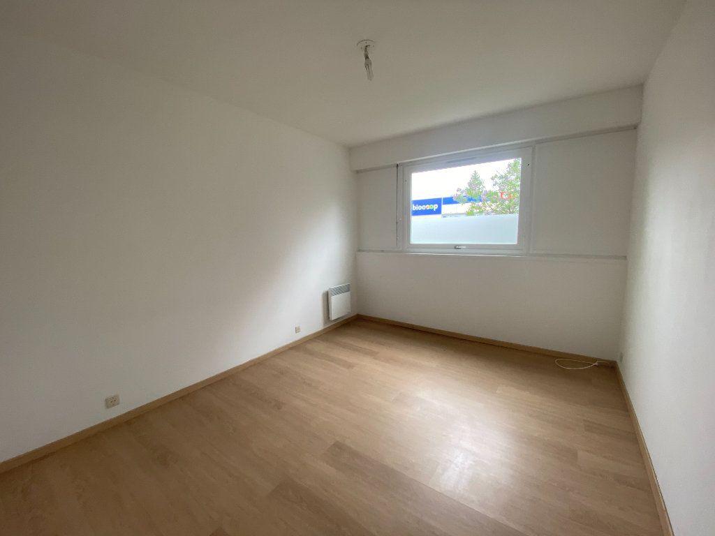 Appartement à louer 3 64m2 à Lille vignette-3