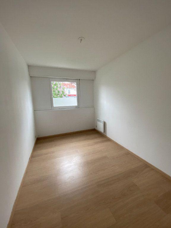 Appartement à louer 3 64m2 à Lille vignette-4