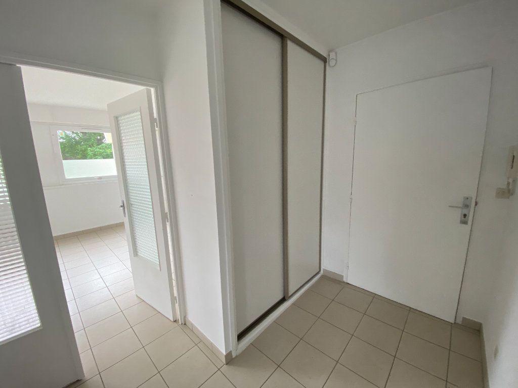 Appartement à louer 3 64m2 à Lille vignette-5