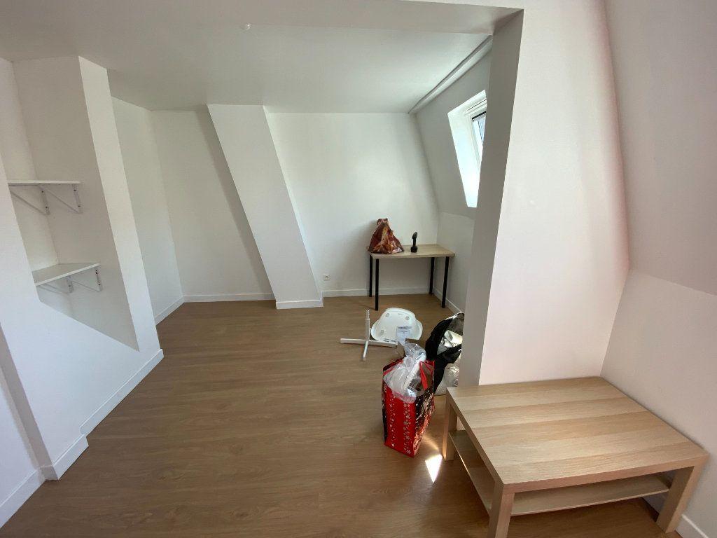 Maison à louer 4 110m2 à Roubaix vignette-9