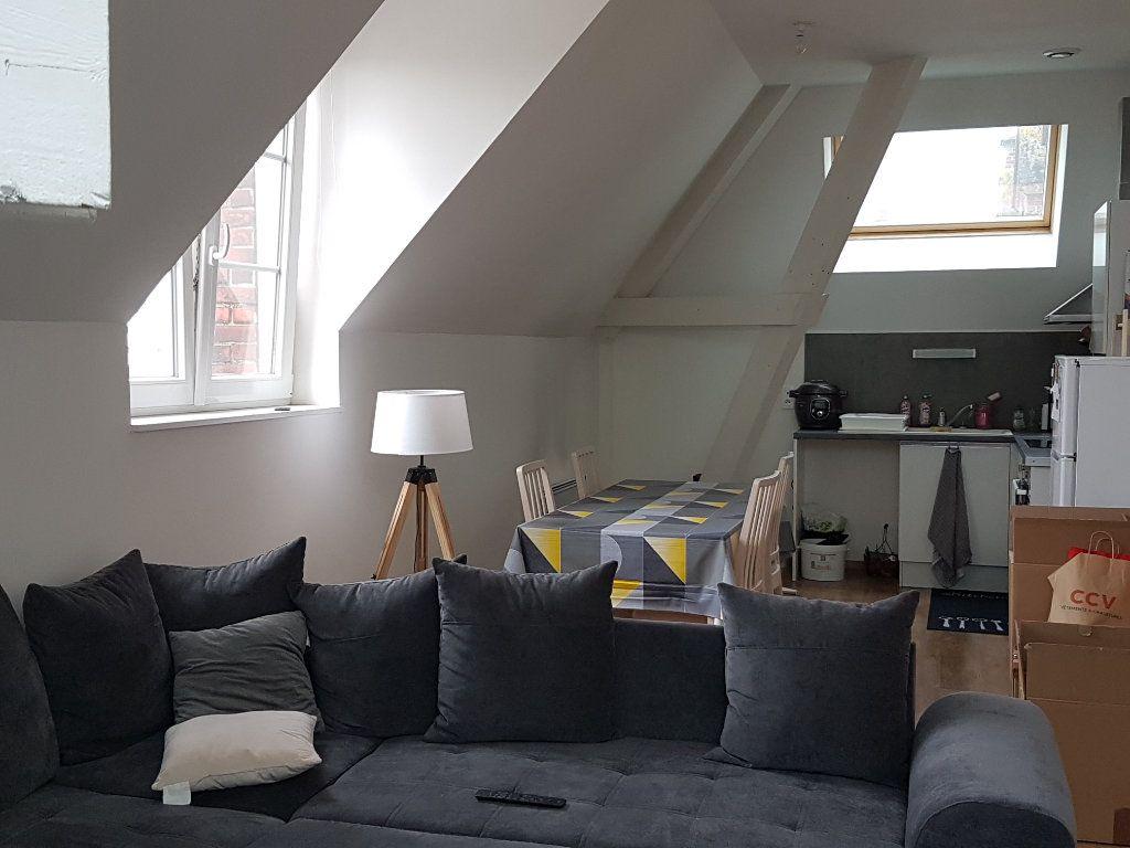 Appartement à louer 2 62m2 à Hazebrouck vignette-4