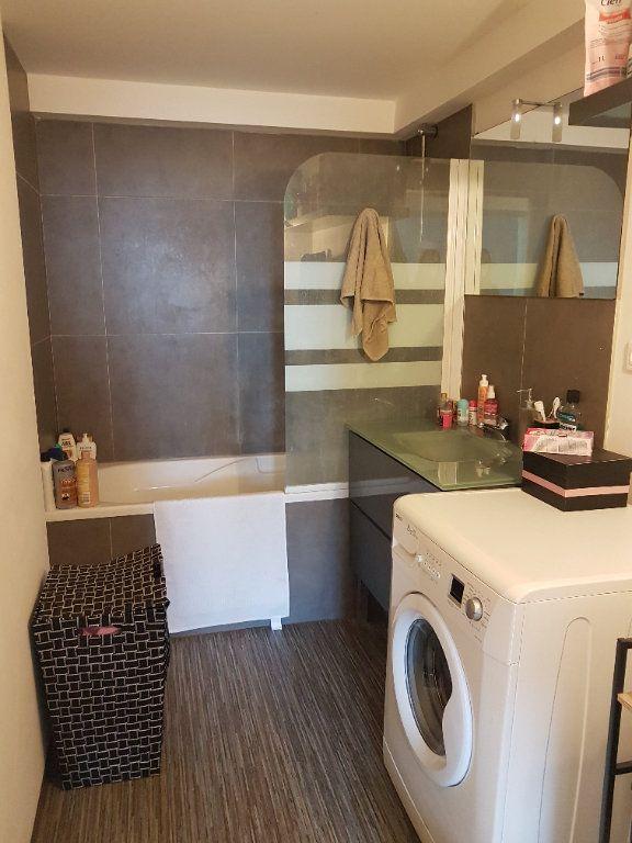 Appartement à louer 2 62m2 à Hazebrouck vignette-9