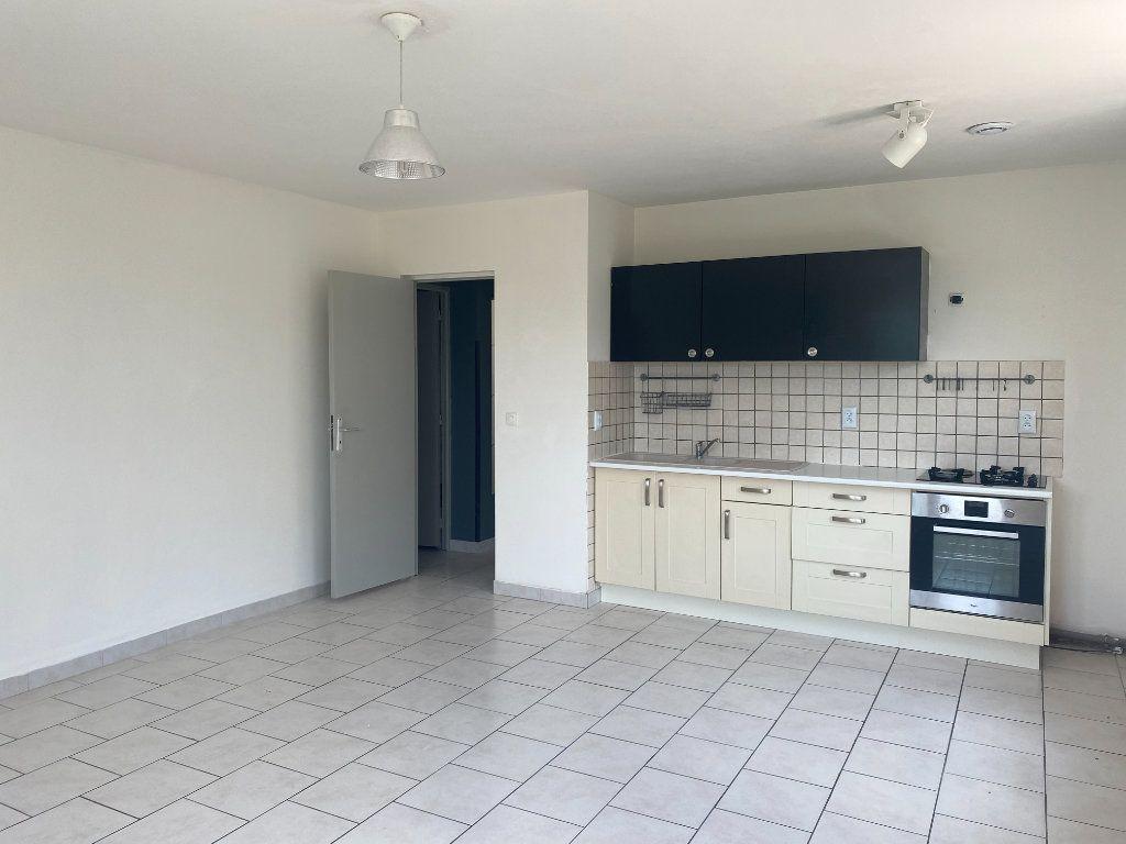 Appartement à louer 3 60m2 à Wambrechies vignette-1