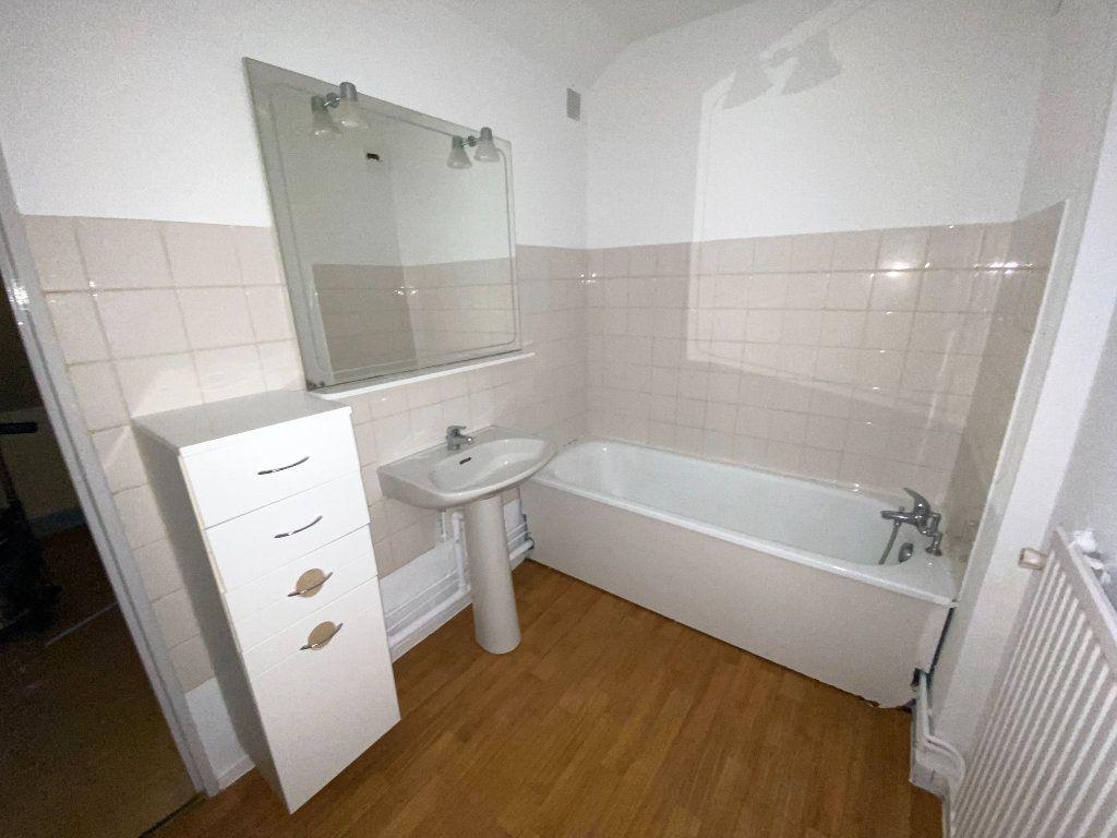 Appartement à louer 3 65m2 à Armentières vignette-7