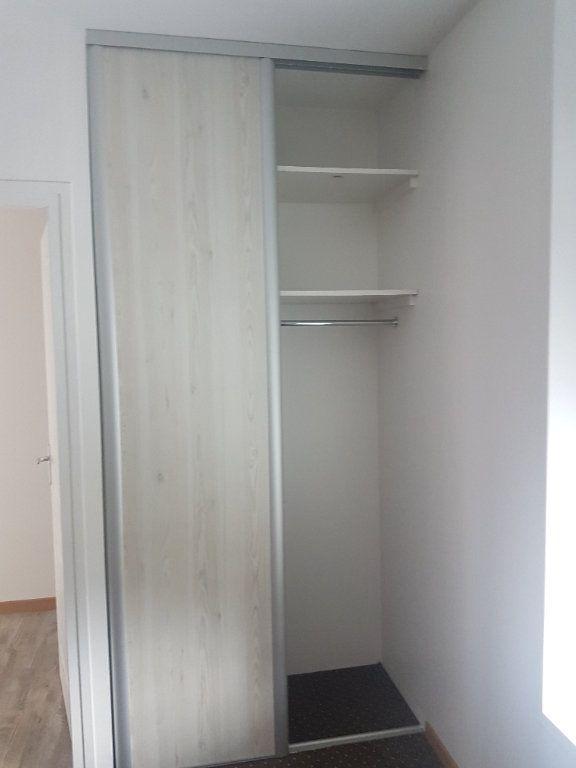 Appartement à louer 2 49m2 à Hazebrouck vignette-4