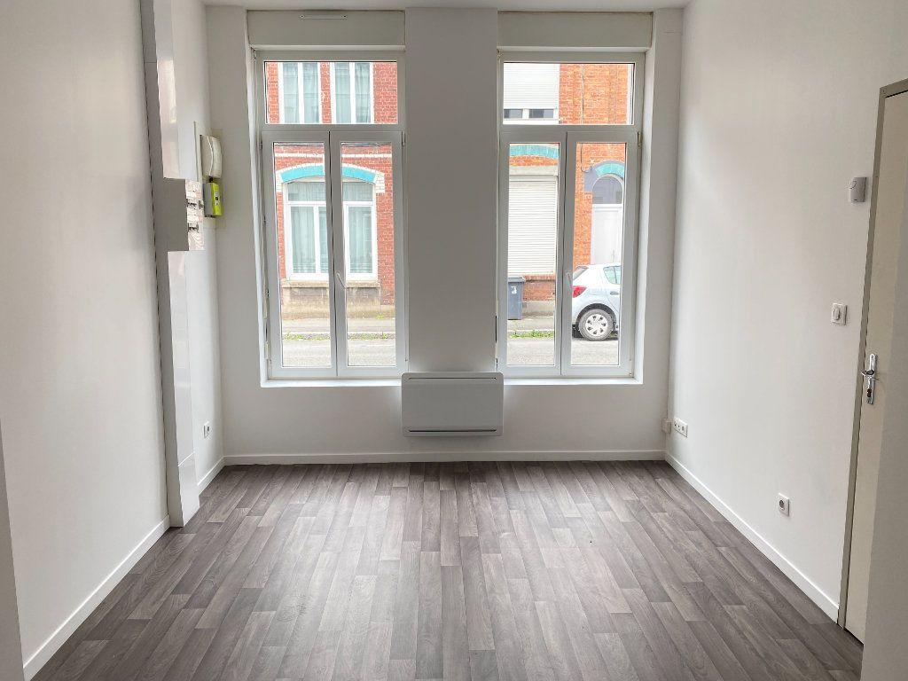 Appartement à louer 1 25m2 à Armentières vignette-1