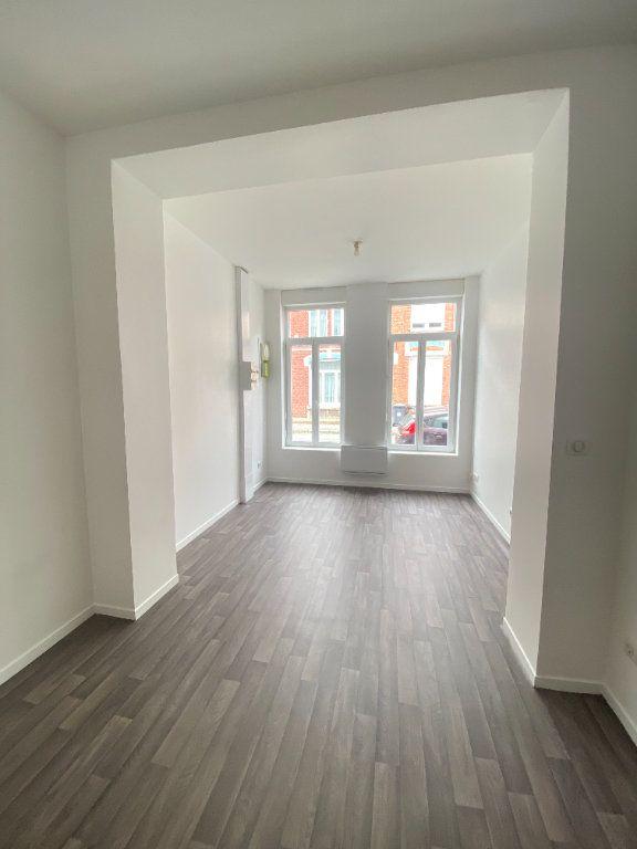 Appartement à louer 1 25m2 à Armentières vignette-2