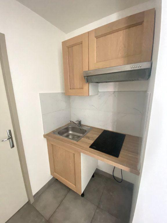 Appartement à louer 1 25m2 à Armentières vignette-6