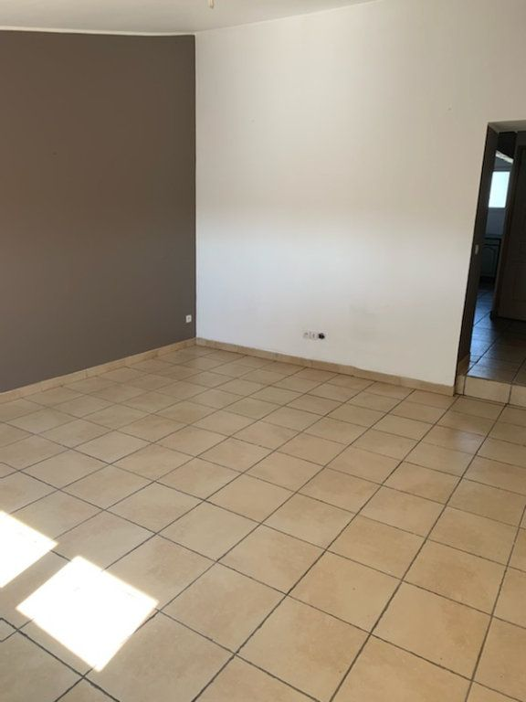 Appartement à louer 3 49m2 à Staple vignette-2