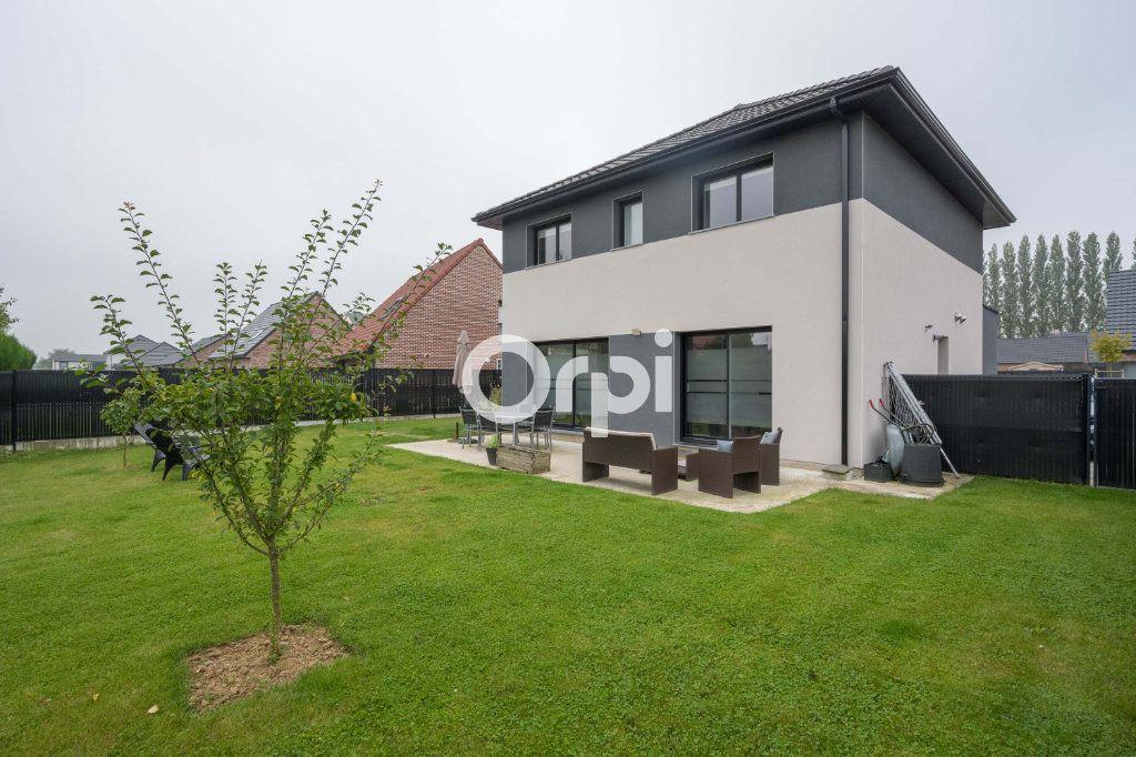 Maison à vendre 7 120.39m2 à Hazebrouck vignette-1