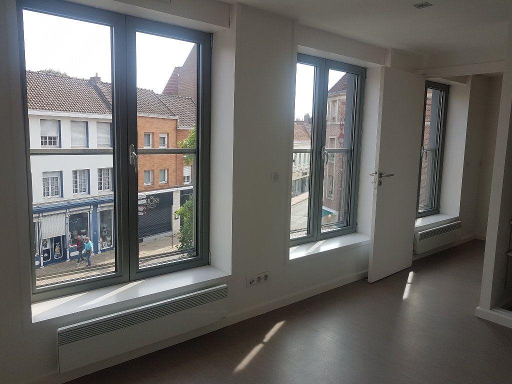 Appartement à louer 4 108m2 à Hazebrouck vignette-3