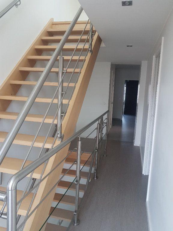 Appartement à louer 4 108m2 à Hazebrouck vignette-6