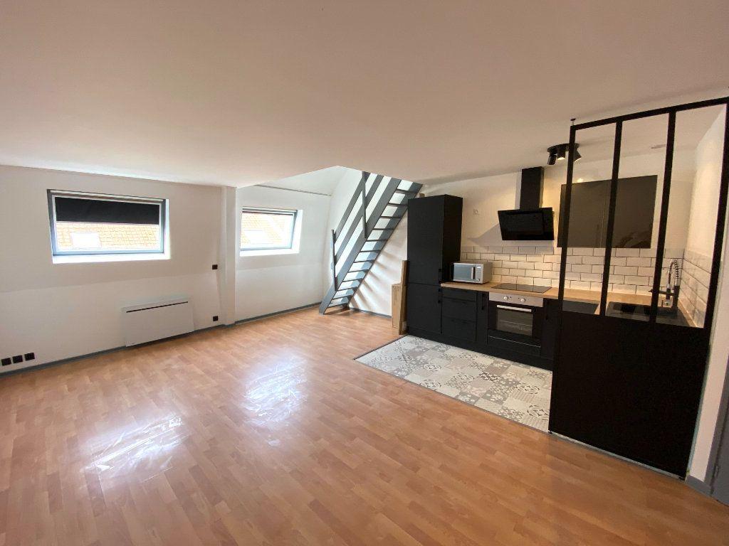 Appartement à louer 2 58m2 à Armentières vignette-1